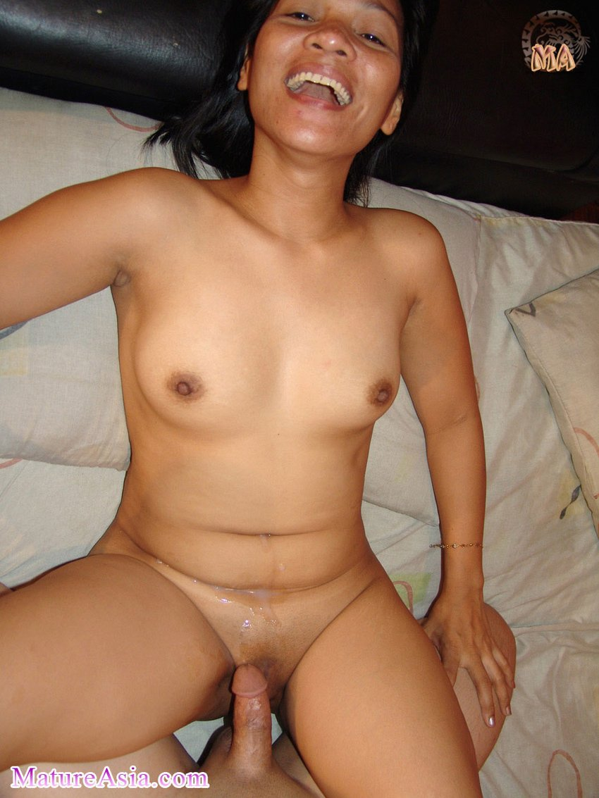 Rose is a sexy amateur Asian mature granny from the ...