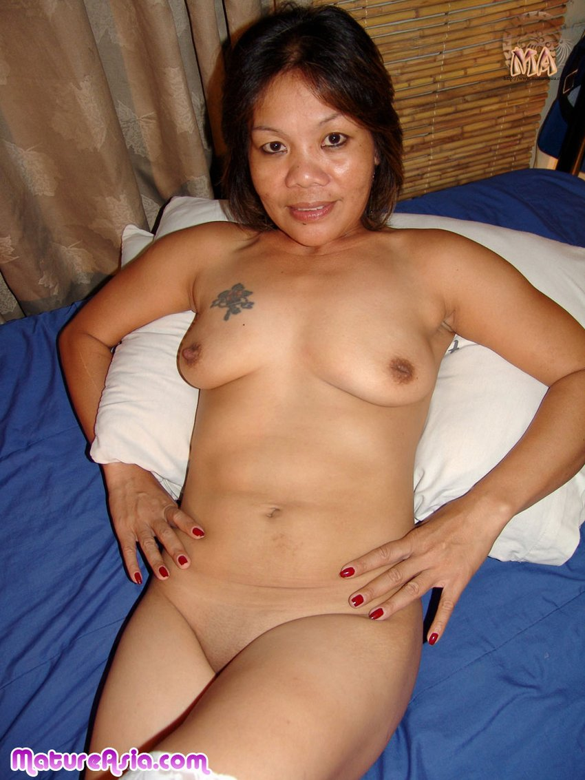 Naked filipina cougar — photo 12