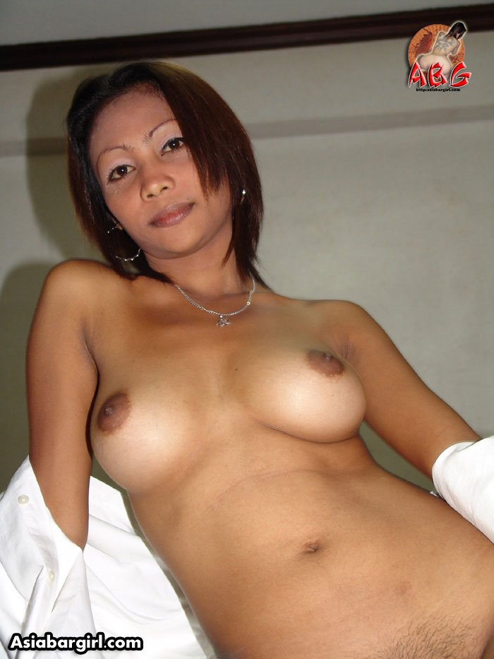 niky-naked-naked-filipina-cougar