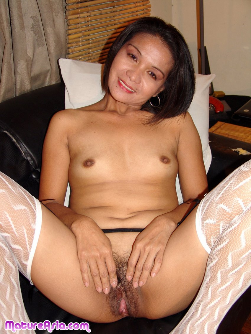 Pinay mom nude picture — pic 14