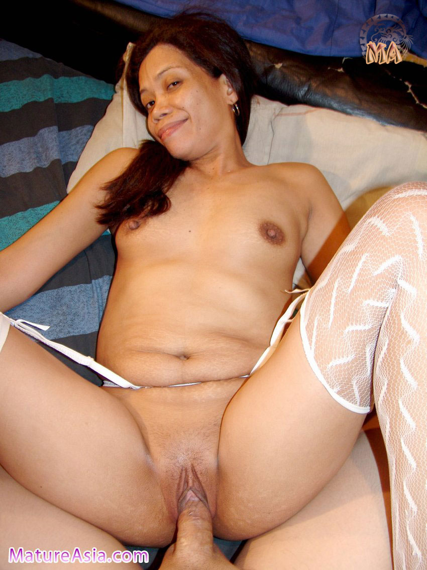 Very Horny Mature Asian Amateur Loves To Fuck