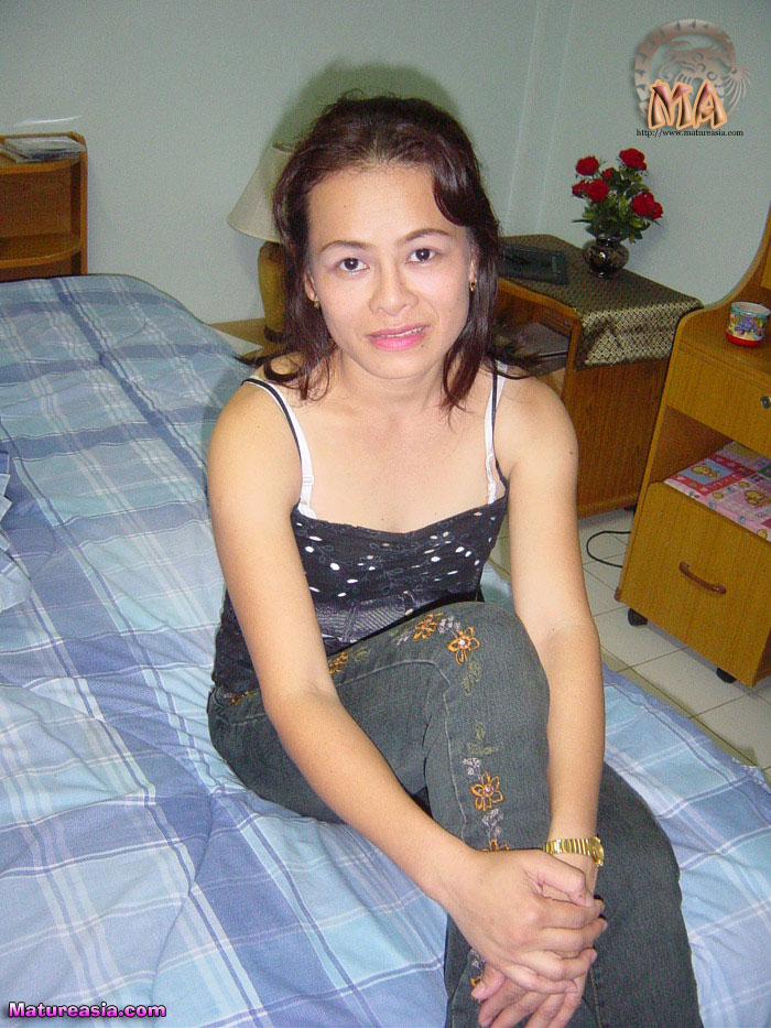 sweet-asian-wife-ahnong